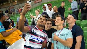 Sefa Naivalu with some Melbourne Rebels fans Sources from: www.melbournerebels.com.au